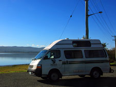 Recorriendo el Río Tamar, Tasmania, en caravana.