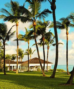 Piscina infinita con vistas al oc�ano del hotel One & Only Ocean Club, situado en Paradise Island, en las Bahamas.