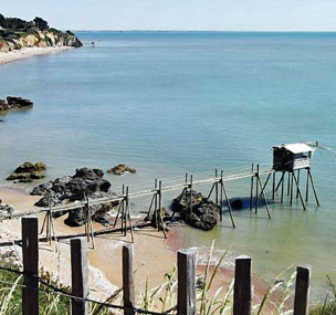 Una de las id�licas y solitarias playas de Pornic, en la regi�n francesa del Loira.