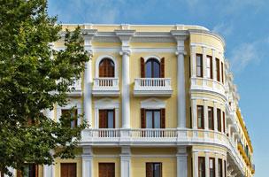 Una de las habitaciones del remodelado hotel Montesol de Ibiza.