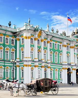 Palacio de Invierno y residencia oficial de los monarcas rusos hasta 1917. Hoy hace parte del gran Museo Hermitage. Foto: Shutterstock.